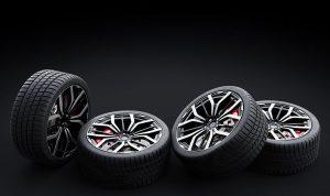 Vier Reifen mit Felgen